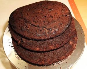 Kagedekoration for begyndere: Step 3 – Sådan skærer du kagen i bunde
