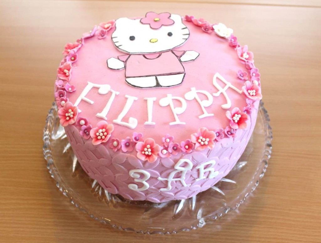 Hello Kitty fondantkage
