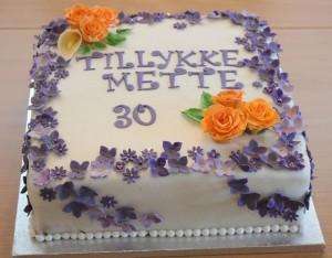 Fondant kage med hortensier og roser