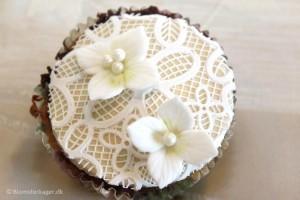 Sådan laver du flotte kagedekorationer med sukkerblonder