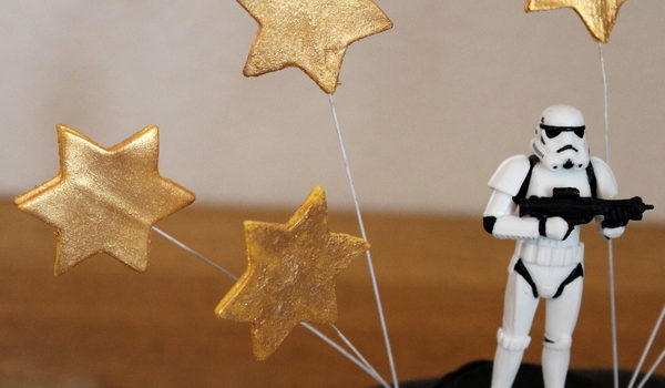 Sådan laver du stjerner i fondant eller gum paste