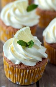 Citron cupcakes med vanilje smørcreme